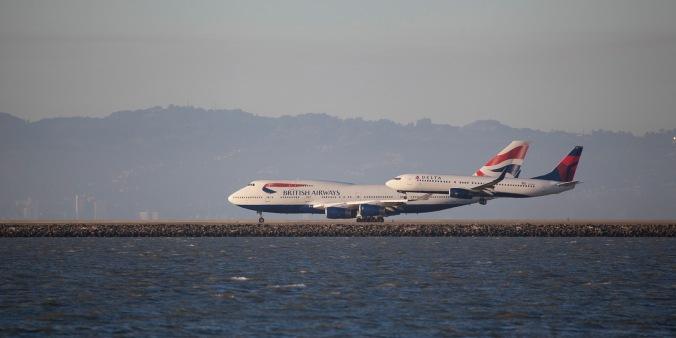 Delta B737-800 and British Airways B747-400