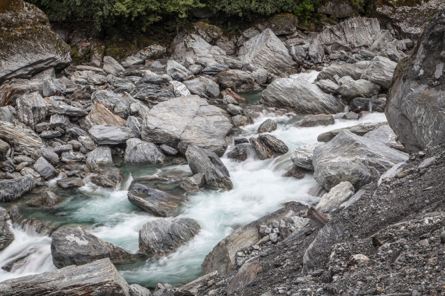 Abnormally low flow at the Gates of Haast