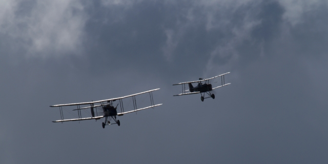 FE2B escorted by SE5A