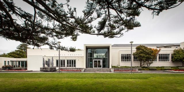 Hutt War Memorial Library and Little theatre